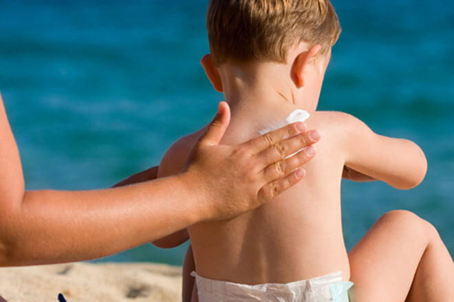 kem chống nắng cho trẻ em đi bơi